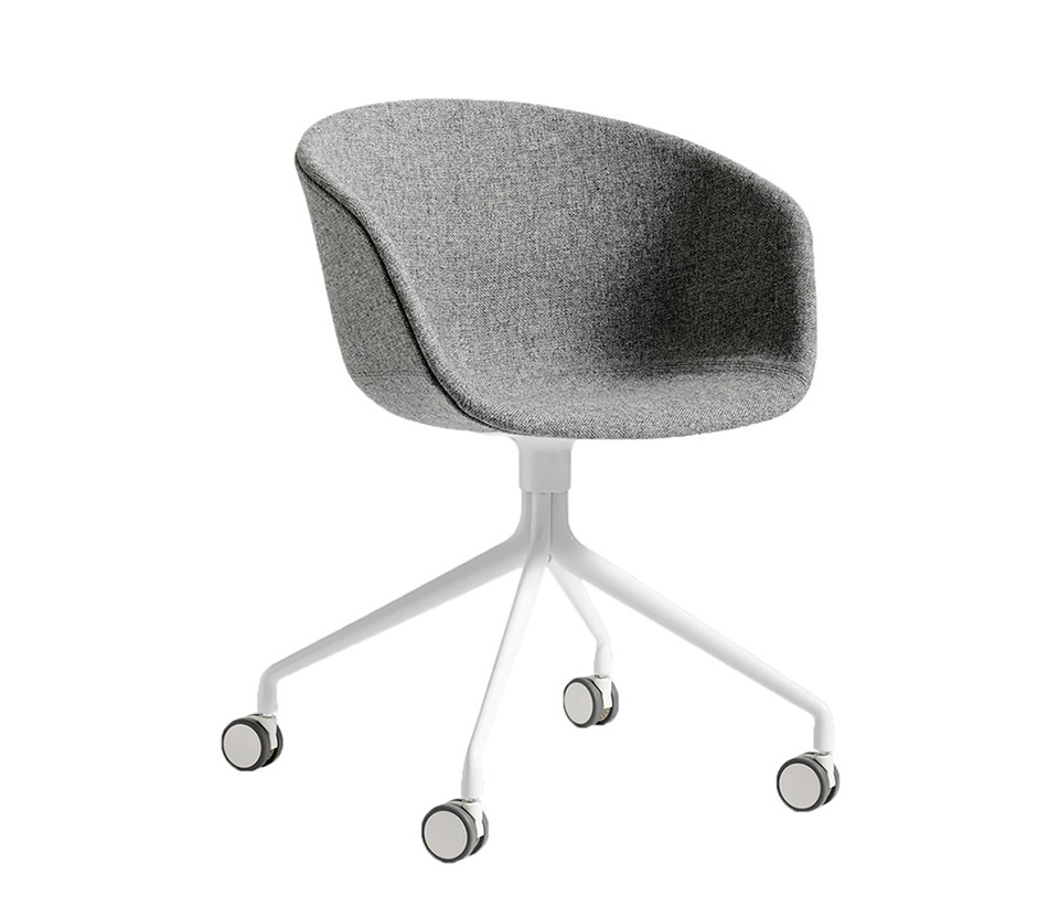 Stol About a Chair AAC25 med hjul helklädd