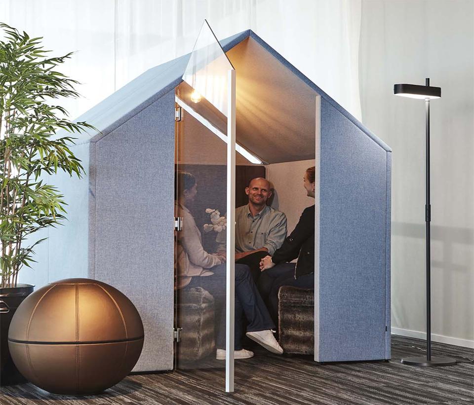 The Hut med frontskärmar och dörr
